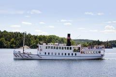 Barco de placer, Estocolmo, Suecia Imagenes de archivo