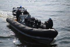 Barco de policía París Foto de archivo libre de regalías