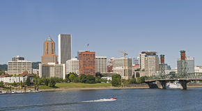 Barco de Portland Oregon en el río Imagen de archivo libre de regalías