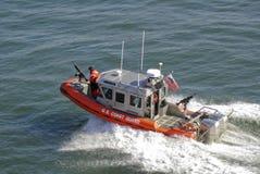 Barco de protetor americano da costa Fotografia de Stock Royalty Free
