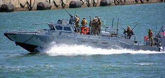 Barco de protetor baixo naval da marinha Fotografia de Stock