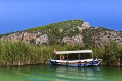 Barco de río Imagen de archivo libre de regalías