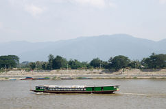 Barco de río, barco de pasajero Imagen de archivo libre de regalías