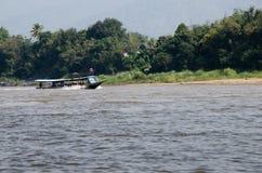 Barco de río, barco de pasajero Foto de archivo libre de regalías