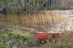 Barco de rowing rojo Foto de archivo libre de regalías