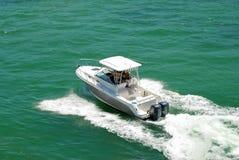 Barco de Sportfishing no louro de Biscayne fotos de stock royalty free
