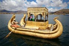 Barco de Totora, Peru imagem de stock