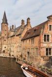 Barco de turista em Bruges Foto de Stock