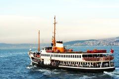 Barco de vapor de Bosphorus Imagen de archivo libre de regalías