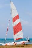 Barco de vela amarrado Imagen de archivo libre de regalías