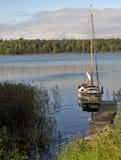 Barco de vela amarrado Mazuty polonia Foto de archivo libre de regalías