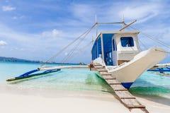 Barco de vela de madeira, ilha de boracay, verão tropical Imagens de Stock