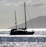 Barco de vela en el ancla Fotos de archivo libres de regalías