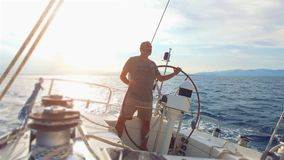 Barco de vela en el mar