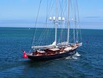 Barco de vela en el sonido mA de Nantucket foto de archivo