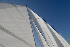 Barco de vela en la vela Fotografía de archivo