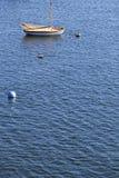 Barco de vela en Marblehead, mA Foto de archivo