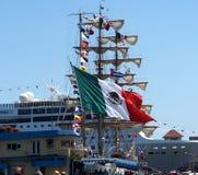 Barco de vela Masted tres de México en Havana Harbour Foto de archivo