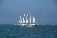 Barco de vela no lago Michigan imagens de stock