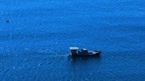 Barco del mar y de motor almacen de metraje de vídeo