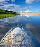 Barco del metal en el lago Fotos de archivo libres de regalías