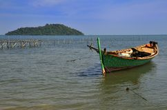 Barco del pescador en la isla del conejo Imágenes de archivo libres de regalías