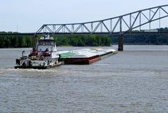 Barco del tirón y lancha a remolque del grano Fotografía de archivo libre de regalías