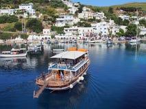 Barco do cruzeiro do dia, Skyros, Grécia Imagens de Stock
