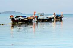 Barco do curso no mar de Andaman Fotos de Stock Royalty Free