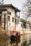 Barco do estilo chinês no rio Fotografia de Stock