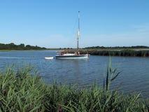 Barco do lazer no rio Blyth Fotos de Stock Royalty Free