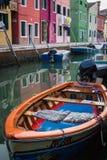 Barco do barco na ilha de Burano Foto de Stock