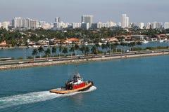 Barco do reboque de Miami, Florida Foto de Stock