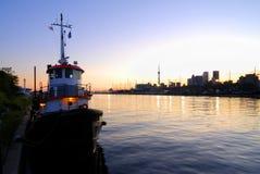 Barco do reboque de Toronto Imagens de Stock Royalty Free