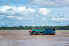 Barco do Rio Amazonas imagem de stock royalty free