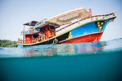 Barco do tubo de respiração fotografia de stock royalty free