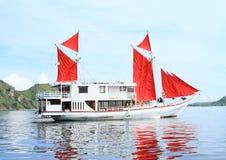 Barco dos mergulhadores fotografia de stock