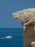 Barco e pedra Fotografia de Stock Royalty Free