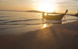 Barco e por do sol Fotografia de Stock