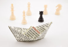 Barco e xadrez da estratégia Foto de Stock