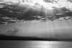 Barco em raios de Sun Imagens de Stock