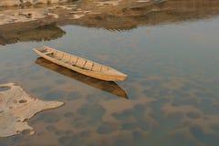 Barco em Sam Phan Bok Mekong River fotos de stock royalty free