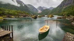 Barco em um lago em Noruega Fotografia de Stock