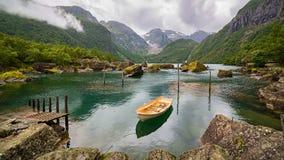 Barco em um lago, Noruega Fotos de Stock Royalty Free