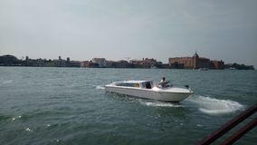Barco em Veneza imagens de stock