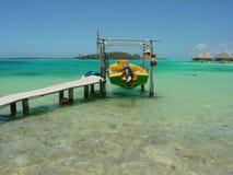 Barco en Bora Bora fotografía de archivo libre de regalías