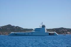 Barco en costa Fotografía de archivo