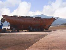 Barco en dique seco en Kalloni Lesvos Grecia Foto de archivo libre de regalías