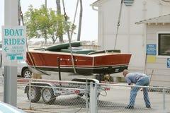 Barco en el acoplado imagen de archivo libre de regalías