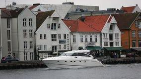 Barco en el canal de Stavanger